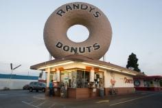 xfs_1024x680_s100_randys_donuts-1a